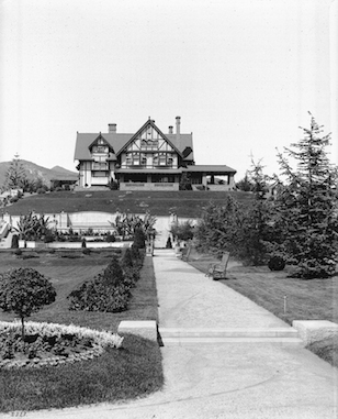 1905_letts_holmby_house